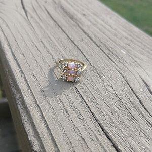 Opaline Vintage Avon ring 1987